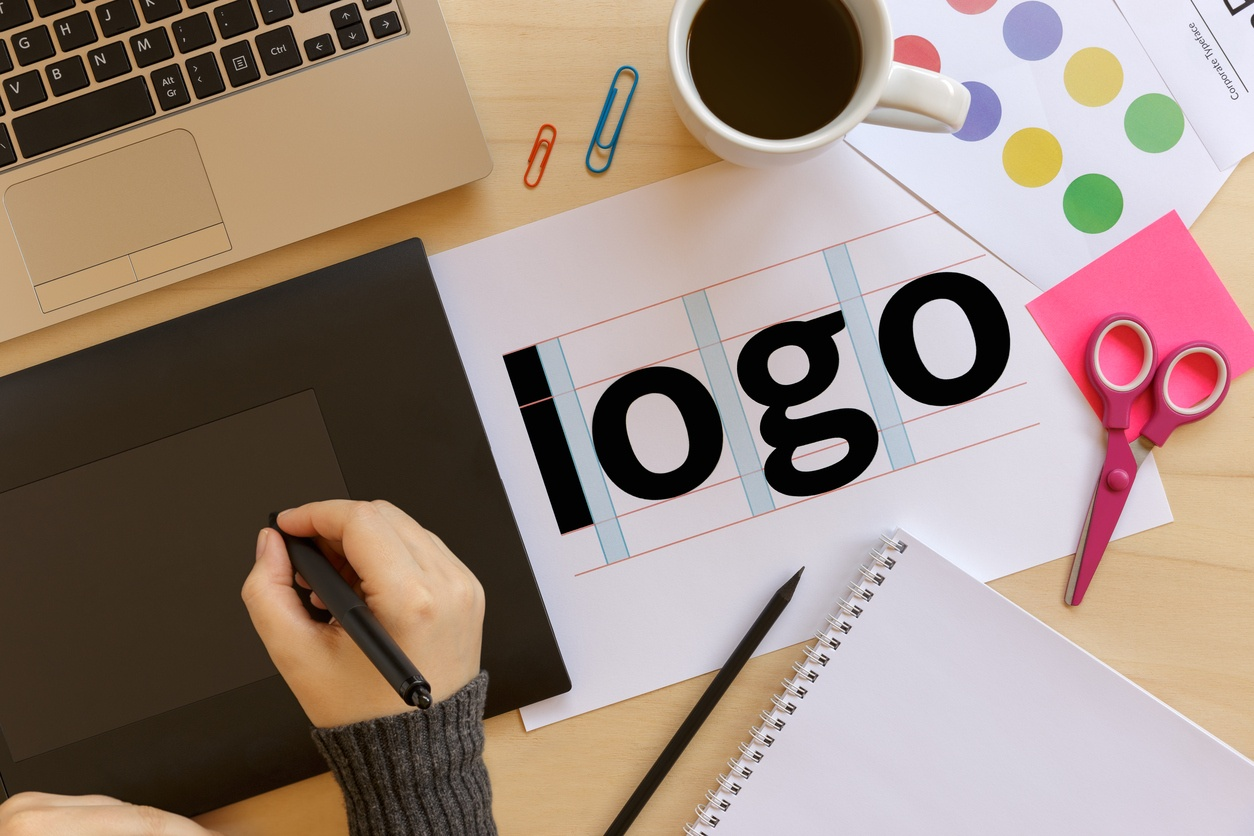 5 Tips to Building a Logo and Brand That Will Draw In Customers